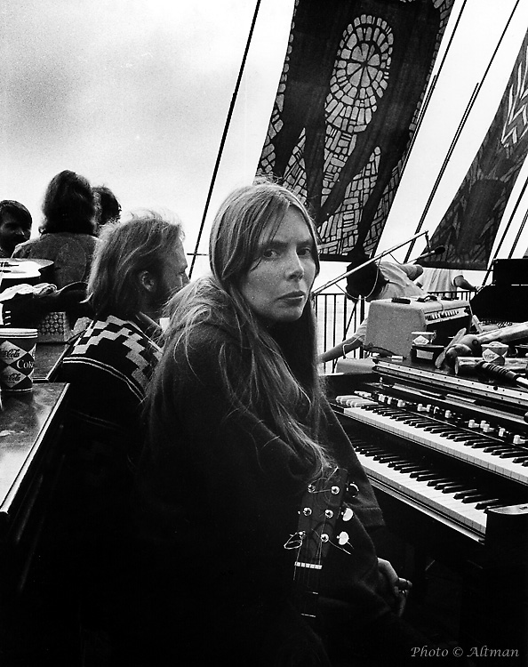 joni_mitchell_keyboard.jpg