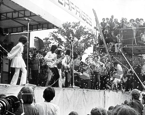 CONCERT DES ROLLING STONES EN HOMMAGE A BRIAN JONES A HYDE PARK 1969